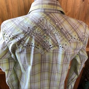 Wrangler Tops - Wrangler Rock 47 Fitted Snap Front Ladies Shirt